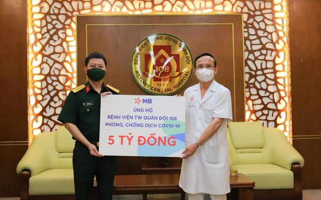 MB ủng hộ 5 tỷ đồng cho Bệnh viện Trung ương Quân đội 108