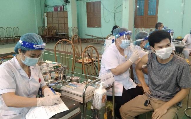 Hà Nam và Ninh Bình: Tiêm chủng nhanh đạt miễn dịch cộng đồng