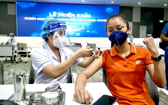 Nhân viên FPT Software mở màn chiến dịch tiêm vaccine Covid-19 tại TP HCM