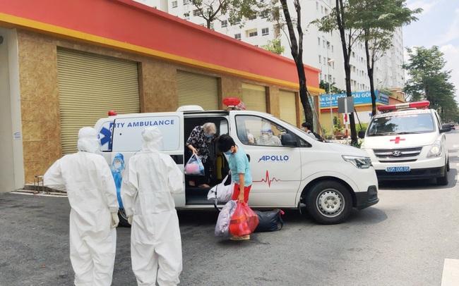 60 ngày nghĩa tình của Đội xe cứu thương tình nguyện Apollo Silicone