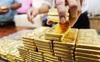 Nhà đầu tư quay lại đổ tiền vào chứng khoán, giá vàng lập tức lao dốc