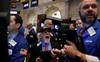 Cổ phiếu Apple tiếp tục chạm mức cao kỷ lục, Nasdaq lập đỉnh và ghi nhận chuỗi khởi sắc dài nhất kể từ tháng 12