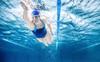Bắt đầu thói quen bơi 3 lần/tuần, cơ thể bạn sẽ thay đổi không ngờ: Dẻo dai, bền sức, quan trọng hơn là căn bệnh mất ngủ lùi xa