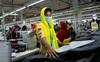 Hé lộ nguyên nhân tước đi gần 12 tỷ USD lương của công nhân may mặc châu Á