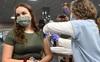 CDC Mỹ tiết lộ đáng sợ về biến thể Delta: Dễ lây như bệnh thủy đậu, gây bệnh nghiêm trọng hơn nhưng vắc xin ngăn chặn 90% nguy cơ bệnh nặng