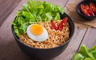 Giãn cách xã hội cả thế giới đổ xô ăn mì, Omachi- Hảo Hảo -Gấu Đỏ thu về cả tỷ USD nhờ nhu cầu của Việt Nam tăng vọt 30% lên 7 tỷ gói năm 2020