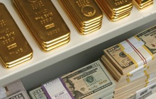 Vàng tăng giá mạnh nhất trong hơn 1 thập kỷ