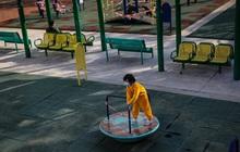 Hồng Kông tiếp tục đóng cửa trường học cho đến giữa tháng 4