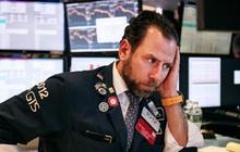Cơn bão bán tháo tiếp tục càn quét Phố Wall đầu phiên 28/2, Dow Jones có lúc 'bay' 1.000 điểm, chỉ số sợ hãi tăng lên mức cao nhất trong 2 năm