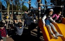 Nhật Bản: Thủ tướng yêu cầu đóng cửa trường học, phụ huynh hoang mang khi không có ai trông con, chuyên gia cảnh báo ca nhiễm bệnh có thể cao hơn con số được công bố