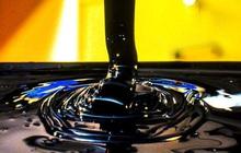 Giá dầu bốc hơi 16% trong tuần này, giảm mạnh nhất kể từ 2008