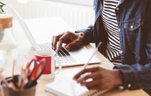 Tâm sự trader thời ở nhà, làm việc online: Chỉ mong nhà đầu tư ngừng bán, thị trường ngừng rơi để còn xem bảng giá mỗi ngày