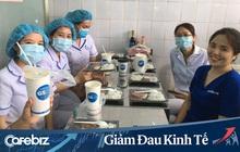 """Không riêng """"vua bánh mì"""" Kao Siêu Lực, nhiều doanh nghiệp F&B như Sơn Kim, Sai Gon Food đang tặng nhiều thực phẩm ngon đến các y bác sỹ tuyến đầu chống Covid-19"""