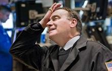 Tiếp tục đà lao dốc khi khởi động quý mới, Dow Jones rớt gần 1.000 điểm