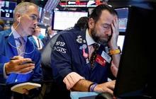 Dow Jones rớt hơn 300 điểm, Phố Wall tiếp tục trải qua một tuần đầy biến động do Covid-19