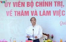 Ảnh: Thủ tướng làm việc tại Quảng Ninh và trò chuyện với công nhân mỏ
