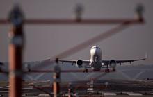 Mở cửa đón các hãng hàng không nước ngoài, Trung Quốc đã nhượng bộ sau khi bị Mỹ cấm bay?
