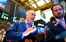 Ca nhiễm nCoV tăng ở mức chưa từng thấy, Phố Wall trái chiều, Dow Jones rớt hơn 300 điểm
