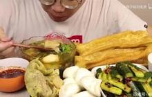 Ăn nhiều đồ dầu mỡ, mukbanger Trung Quốc tử vong sau 6 tháng theo nghề: Đồ ăn chiên rán là con dao tử thần!