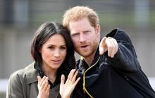 """Thông tin mới bất ngờ về mối quan hệ hiện tại giữa Harry với Meghan Markle sau khi ra ở riêng, bị Nữ hoàng cho """"cú đánh chí mạng"""""""