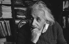 """Albert Einstein từng cảm thán """"Thật kỳ lạ khi được cả thế giới biết đến nhưng vẫn rất cô đơn"""": Suy cho cùng, người càng thông minh thì càng bất hạnh!"""