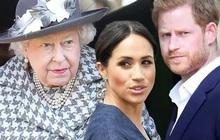 """""""Cuộc chiến"""" hoàng gia: Nữ hoàng Anh chỉ nói đúng một câu cũng đủ cho thấy vợ chồng Meghan Markle bị """"thất sủng"""" như thế nào"""