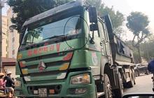 'Xe vua' đeo logo náo loạn phố cấm trung tâm Hà Nội giữa ban ngày