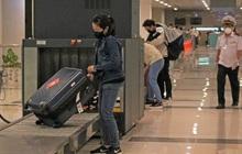 Đón chuyến bay về từ Hàn Quốc, Cần Thơ cách ly 9 người ngay tại sân bay