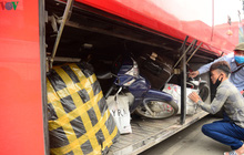 Dịch Covid-19: Bến xe, nhà ga ở Hà Nội vắng tanh