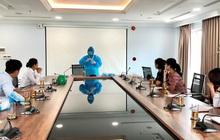 Cách ly 15 chuyên gia nước ngoài đầu tiên đến Quảng Ngãi