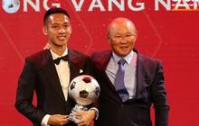 Vượt qua đối thủ nặng kí, Đỗ Hùng Dũng ẵm trọn danh hiệu Quả bóng Vàng 2019