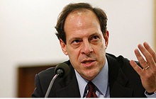 Phó Tổng Thanh tra Bộ Quốc phòng Mỹ từ chức