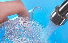 Chuyên gia: Nguyên tắc 40-40-20 và 5 lưu ý uống nước đúng vừa thải độc vừa tránh mất nước