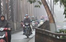 Gió mùa Đông Bắc gây mưa ở Bắc Bộ, miền Trung mưa lớn