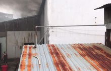 Cháy dữ dội tại một xưởng gỗ ở KCN Bình Chiểu