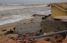 Bờ biển Nhật Lệ (Quảng Bình)sạt lở nghiêm trọng
