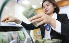 Tiền dồi dào, nhiều ngân hàng bắt đầu hạ lãi suất cho vay