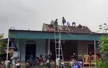 Chưa đầy 1 phút, trận lốc xoáy làm tốc mái 29 nhà dân
