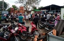 Sao bão, hàng ngàn người Quảng Ngãi chen lấn đi mua ngói