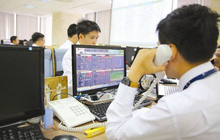 HoSE: Khối ngoại mua ròng mạnh tại các mã VJC, VRE, VCB, VIC và HSG trong tháng 11