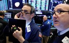 Chứng khoán Mỹ trái chiều khi thị trường chờ đợi gói kích thích mới: S&P 500 tiến sát đỉnh lịch sử, cổ phiếu công nghệ đồng loạt rớt điểm