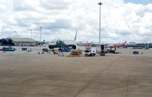 Dù hàng không gặp khó, Vietravel Airlines vẫn rầm rộ tuyển tiếp viên