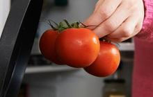 Nhìn vào củ khoai tây, cà chua, hành tây mà thấy có dấu hiệu này thì nên cho vào thùng rác vì ăn sẽ không có dinh dưỡng mà còn dễ bị ngộ độc