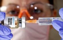 Cổ phiếu Moderna tăng vọt sau khi đạt thỏa thuận bán 100 triệu liều vaccine cho chính phủ Mỹ