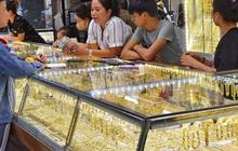 Mua - bán vàng chênh lệch kỷ lục, ai hưởng lợi?