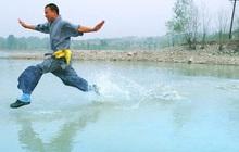 Khoe khả năng vượt sông chỉ bằng 1 cây lau, hòa thượng không nói lên lời khi bị hỏi vặn lại 1 câu và hồi kết đáng ngẫm