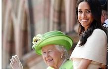 Đúng vào ngày sinh nhật của Meghan Markle, Nữ hoàng Anh cùng gia đình hoàng gia đồng loạt lên tiếng chúc mừng gây ra nhiều tranh luận