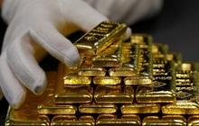 Đà tăng chưa dừng sau khi vượt 2.000 USD, giá vàng có thể tiến thẳng lên 2.200 USD/ounce