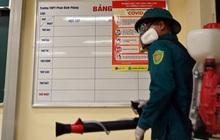 Phun khử khuẩn các điểm thi tại Hà Nội để chuẩn bị thi tốt nghiệp THPT giữa tâm dịch Covid-19