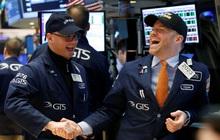 Phố Wall đồng loạt khởi sắc khi cổ phiếu công nghệ hồi phục, Dow Jones tăng hơn 350 điểm